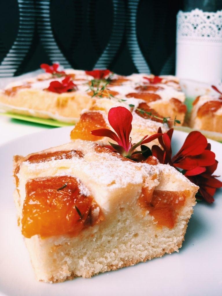 Ucierane ciasto z morelami