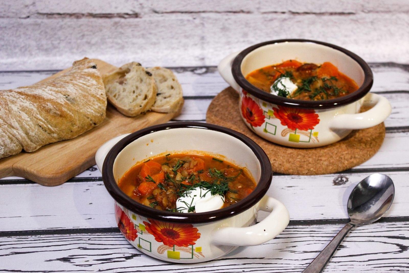 Zupa z soczewicy z kiełbasą