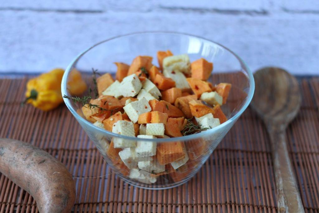 Słodkie ziemniaki zapiekane z serem tofu