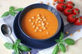 Pomidorówka z bazylią
