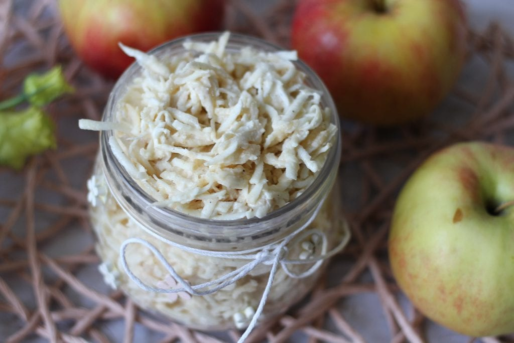 Surówka z selera z jabłkiem