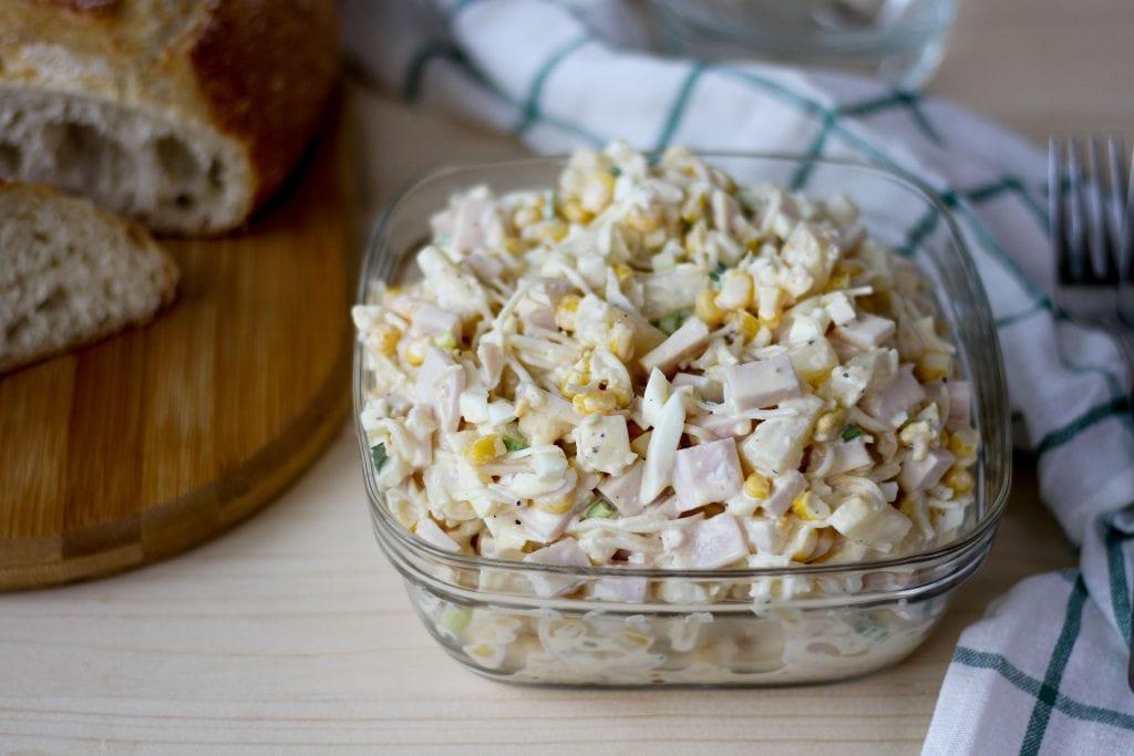Sałatka z selera z kukurydzą