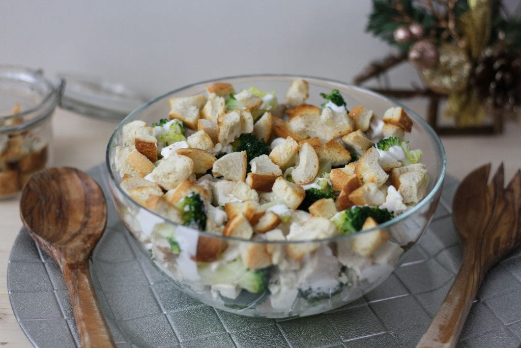 Sałatka brokułowa z indykiem