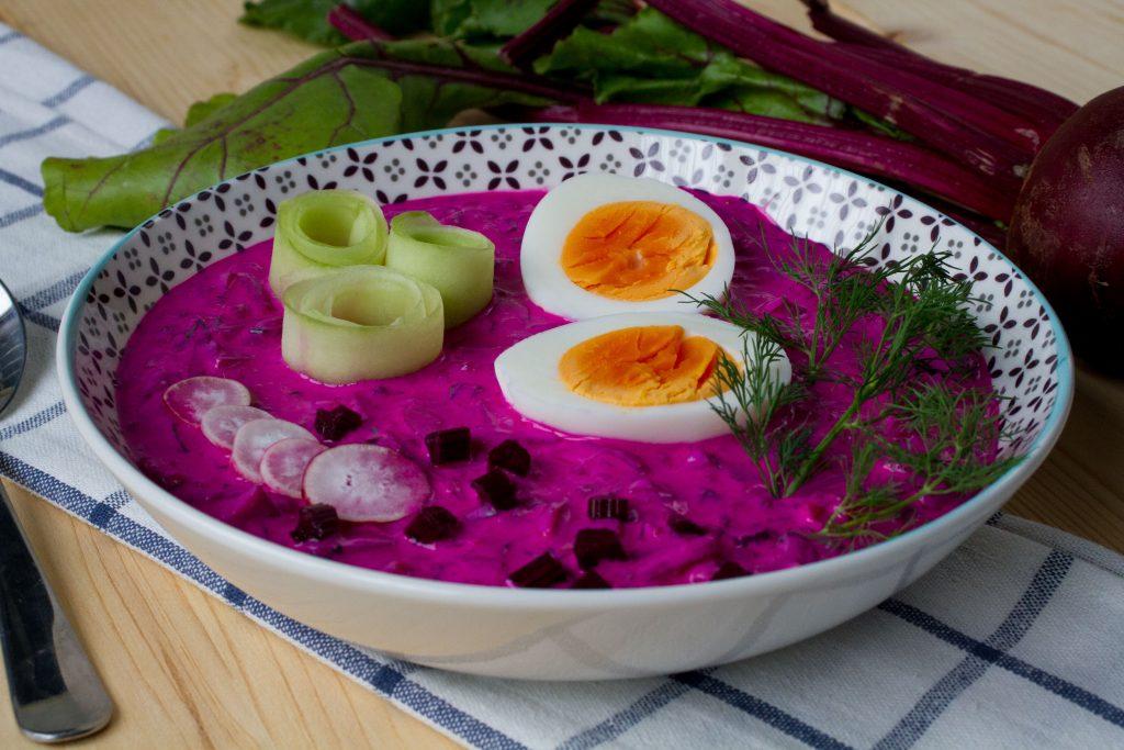 Chłodnik z botwinki z jajkiem
