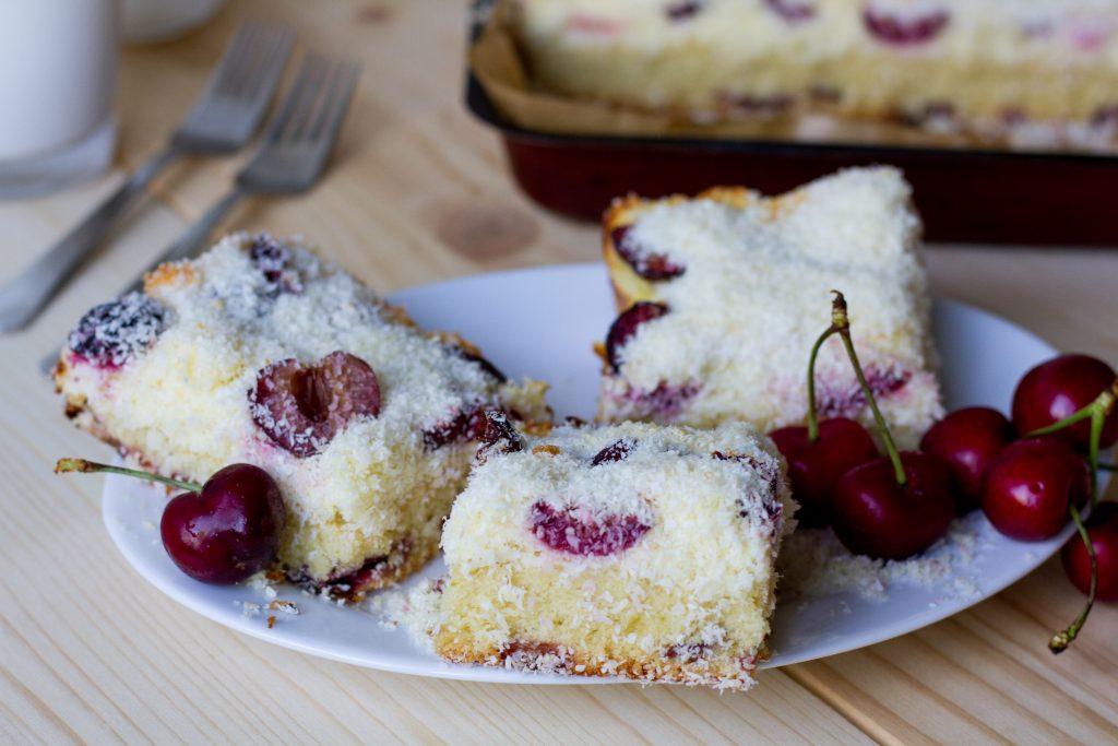 Ciasto ucierane z czereśniami