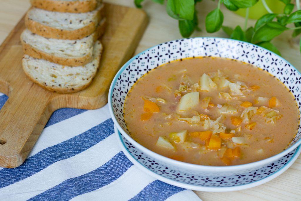 Zupa z kapusty i marchewki
