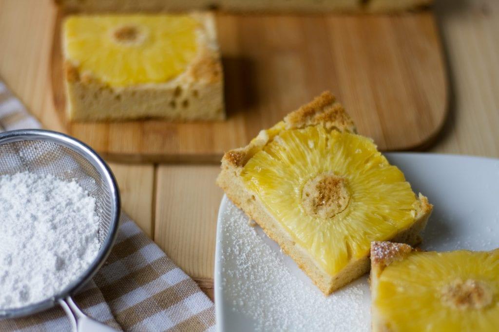 Ucierane ciasto z ananasem