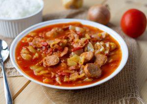 Leczo z papryką i pomidorami