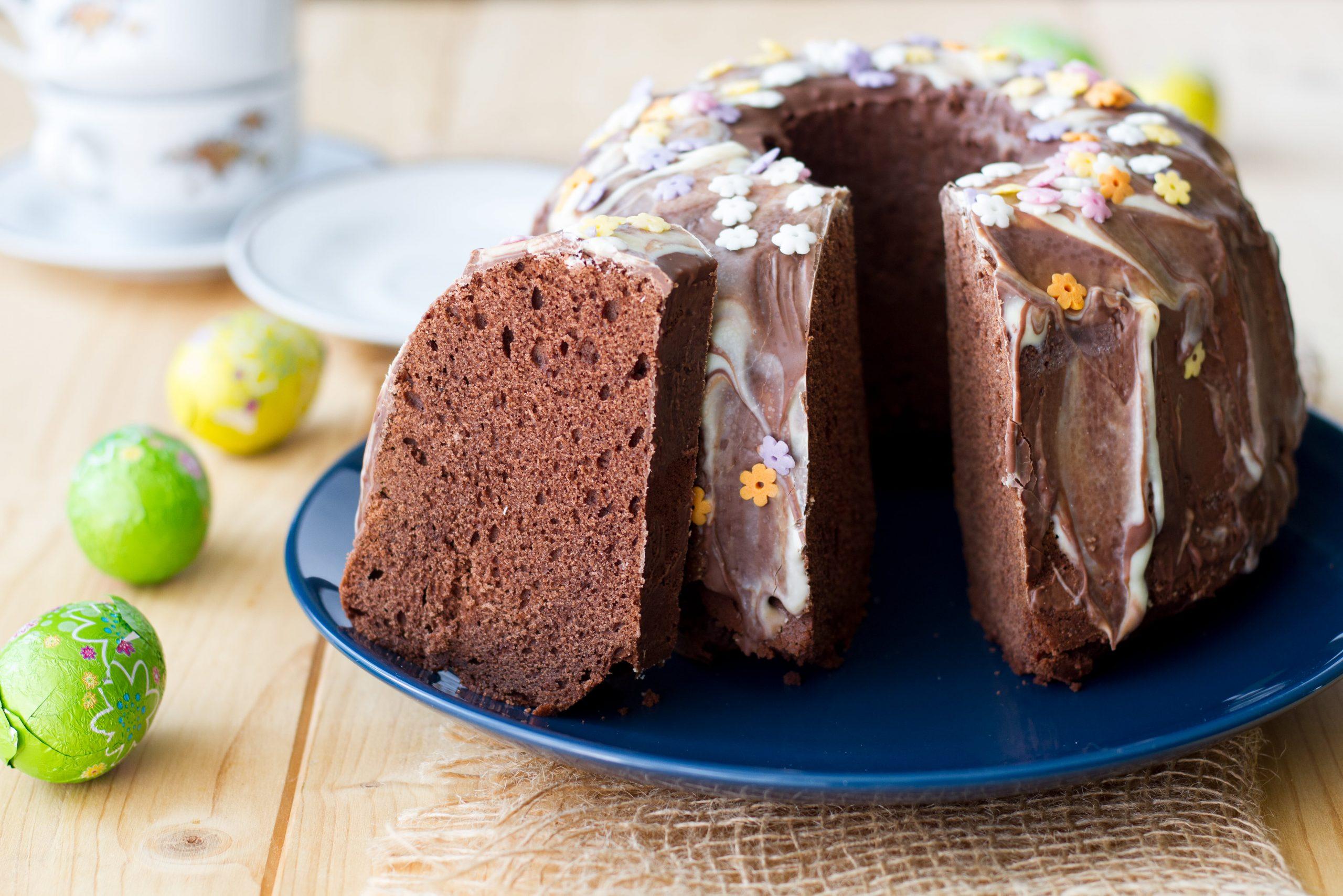 Babka czekoladowa z czekoladą i kakao