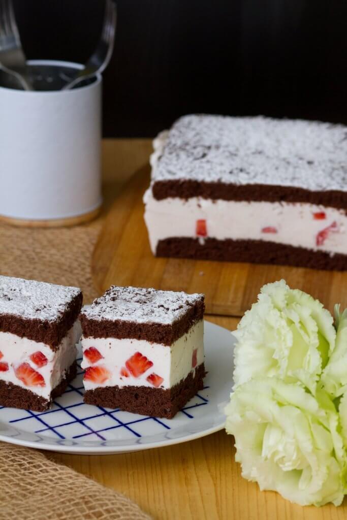 Ciasto czekoladowe z masą jogurtową