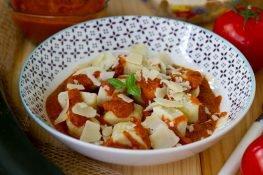 Gnocchi z ricottą i sosem pomidorowym